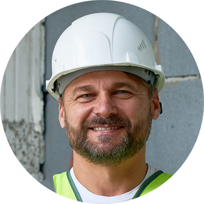 Tradesman who works with Multivista