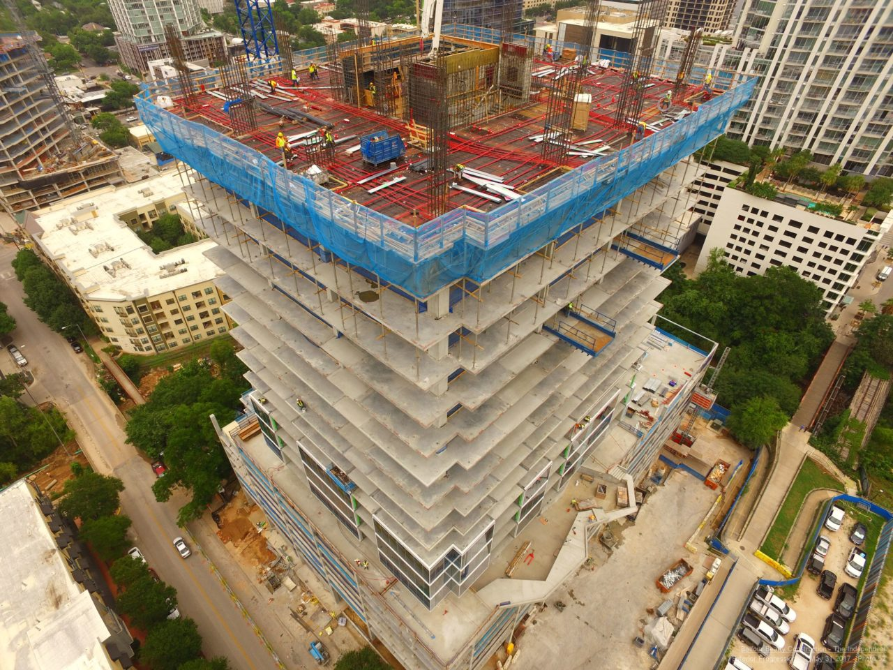 Multivista construction site documentation by drone/UAV